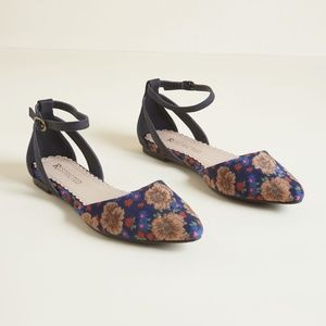 NWT Restricted Floral Corduroy Flats - Size 9